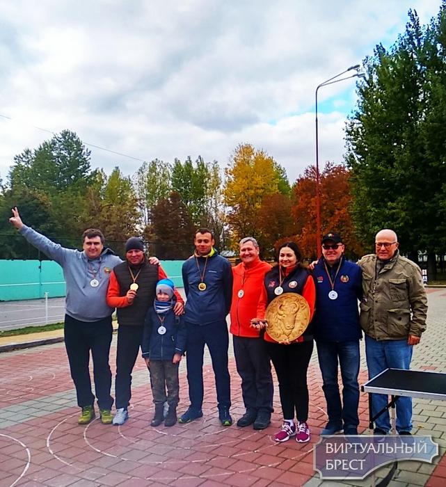 Брестчане у себя дома выиграли международный турнир по айсштоку