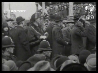 ENGLAND: Showmen assemble at Kings Lynn, Norfolk preparatory to touring the country (1928)