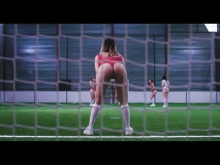 Liza Del Sierra feat A2H Dbutante [OKLM Russie]