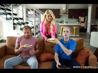 Brazzers - Two For One Special / Bridgette B, Ricky Johnson & Xander Corvus / NewPorn2020