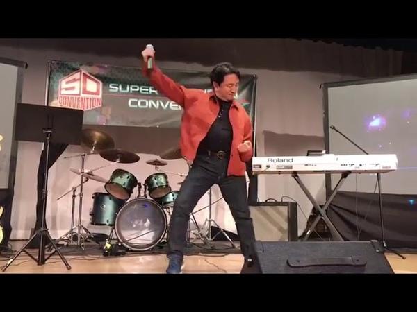 マクロス Tsutomu Takayama Hibiki from Macross II sings Macross at SDCON 10 05 2019