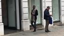 Италия много красиво одетых людей стрит стайл