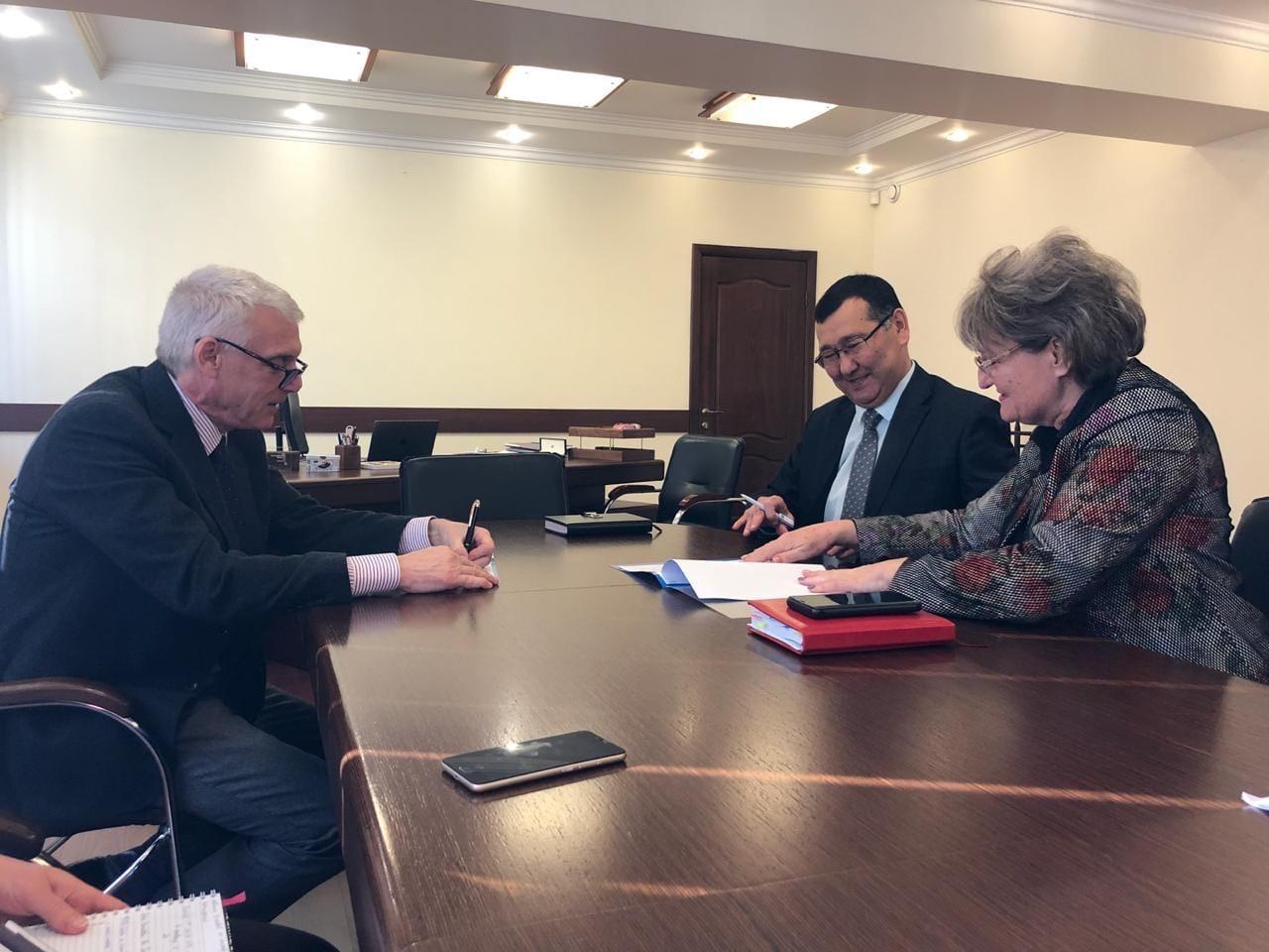 Договор о сотрудничестве между «Университетом Нархоз» и КГУ ШГ №68.