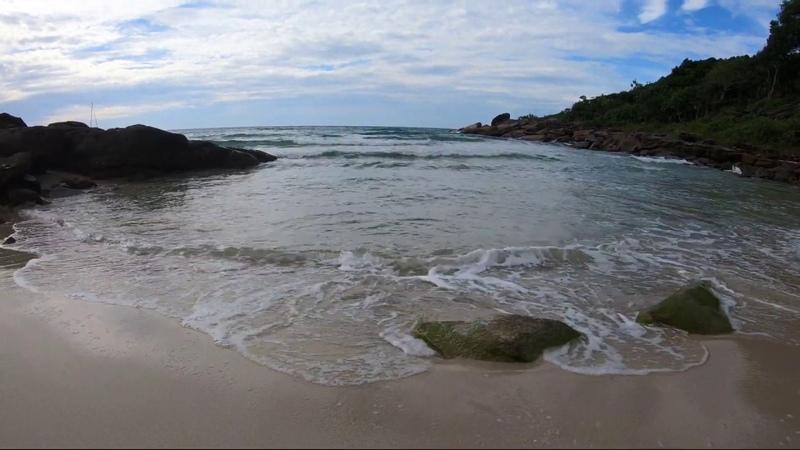 Волны навстречу. Шум прибоя. Остров Ко Куд