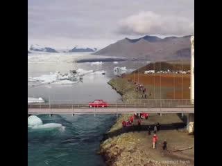 В исландию на запорожце (1080p).mp4