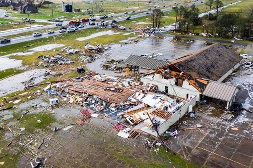 tornado dead body pictures - 1280×720