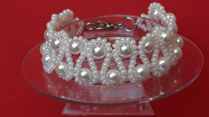 Linda y Elegante Pulsera de Perlas...Clase 165