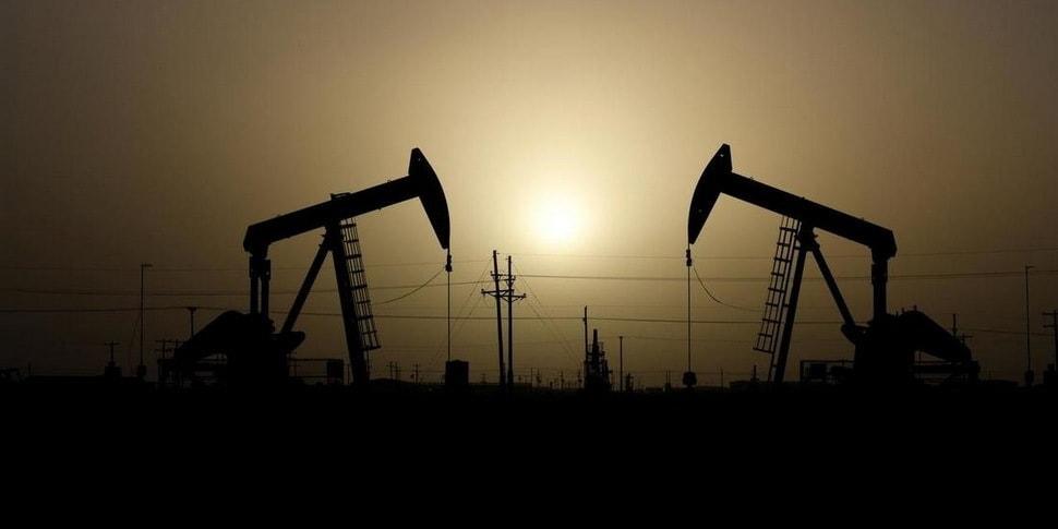 Нефть Brent упала до $26, в России доллар продают уже по 80 рублей, у нас - пока 2,55