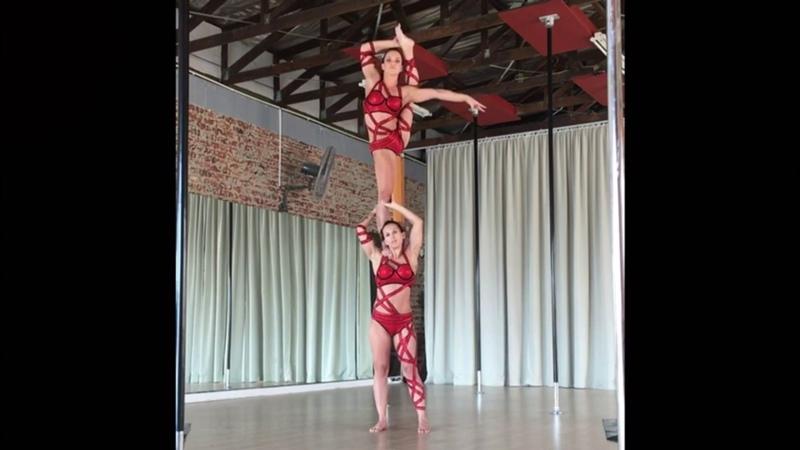 Jenny Leda - Duo Acrobatics