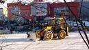 MIX Экскаватор-погрузчик JCB чистит снег