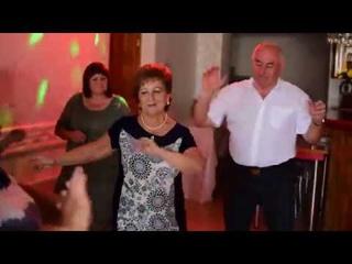 Танцы на юбилее Папы!