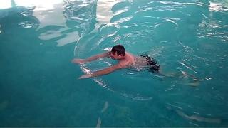Сколько метров Вы можете проплыть под водой и сколько секунд продержаться?