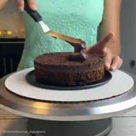 id_43602 Так вот как делают эти невероятные торты! 😍  #gif@bon