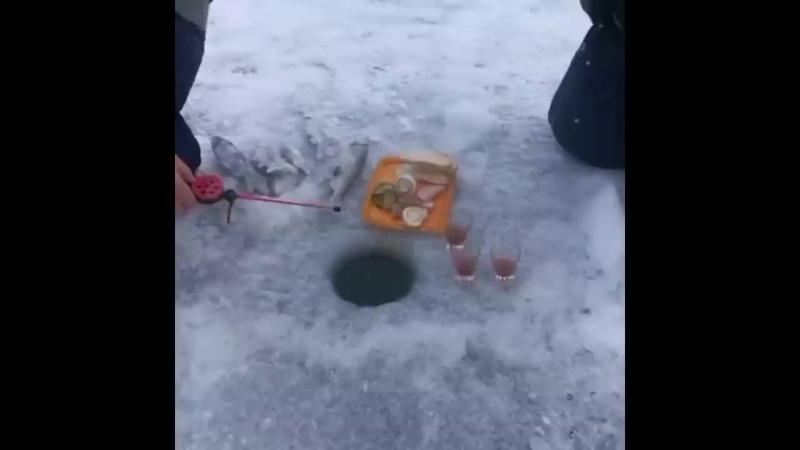 Я РЖАЛ ДО СЛЕЗ! ШОК РЫБАЛКА зимой _ приколы на рыбалке 2020 _ зимняя рыбалка