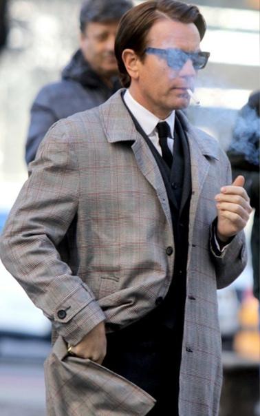Красавец Юэн Макгрегор в образе модельера Роя Халстона на съемках нового сериала от Netflix
