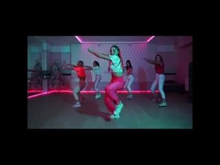 🔥 Смотрите наше огненное видео 🔥⠀Направление DANCE MIX включает в себя такие стили как: Reggaeton dance (реггетон), Twerk (тве