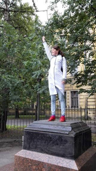 Памятник Химику-Психопату: возвращение легенды