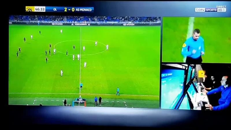 Golovin est expulsé pour une grosse semelle sur @NabilFekir OLASM Ligue1Conforama