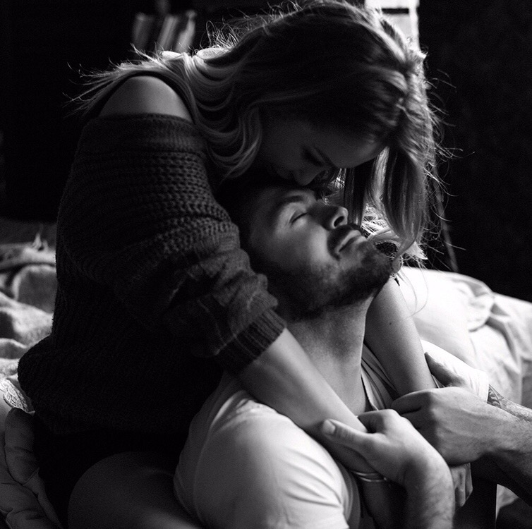 Великая мужская сила в том, чтобы позволить своей женщине быть такой, какой е...