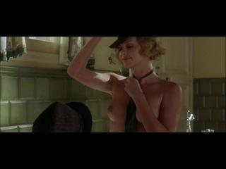 Шарлиз Терон Голая - Charlize Theron Nude - 2004 Head in the Clouds - 2004 Голова в облаках
