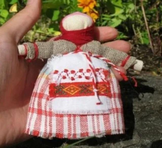 как сделать куклу Метлушку своими руками, кукла Меьдушка мастер-класс пошпгово,