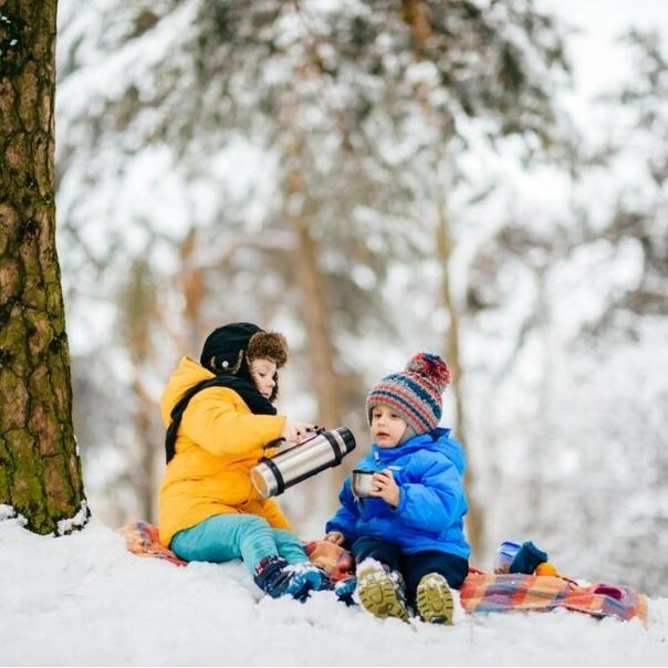Думаете, что зимний пикник на природе – это холодно и не интересно? На самом деле, этот отдых может подарить немало приятных и ярких эмоций. Расскажу, как устроить пикник, чтобы он прошел вкусно, с пользой и в максимальном комфорте.