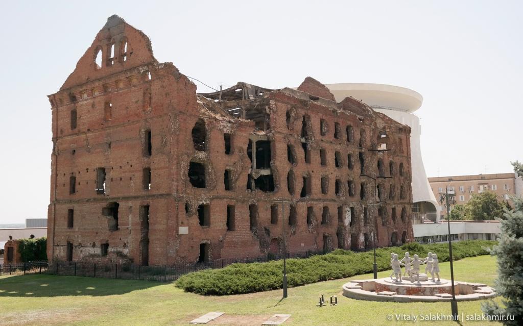 Разрушенная мельница Гергардта в Волгограде