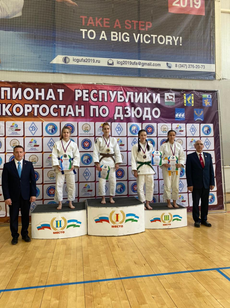 Октябрьский одержал две победы на 9 мая