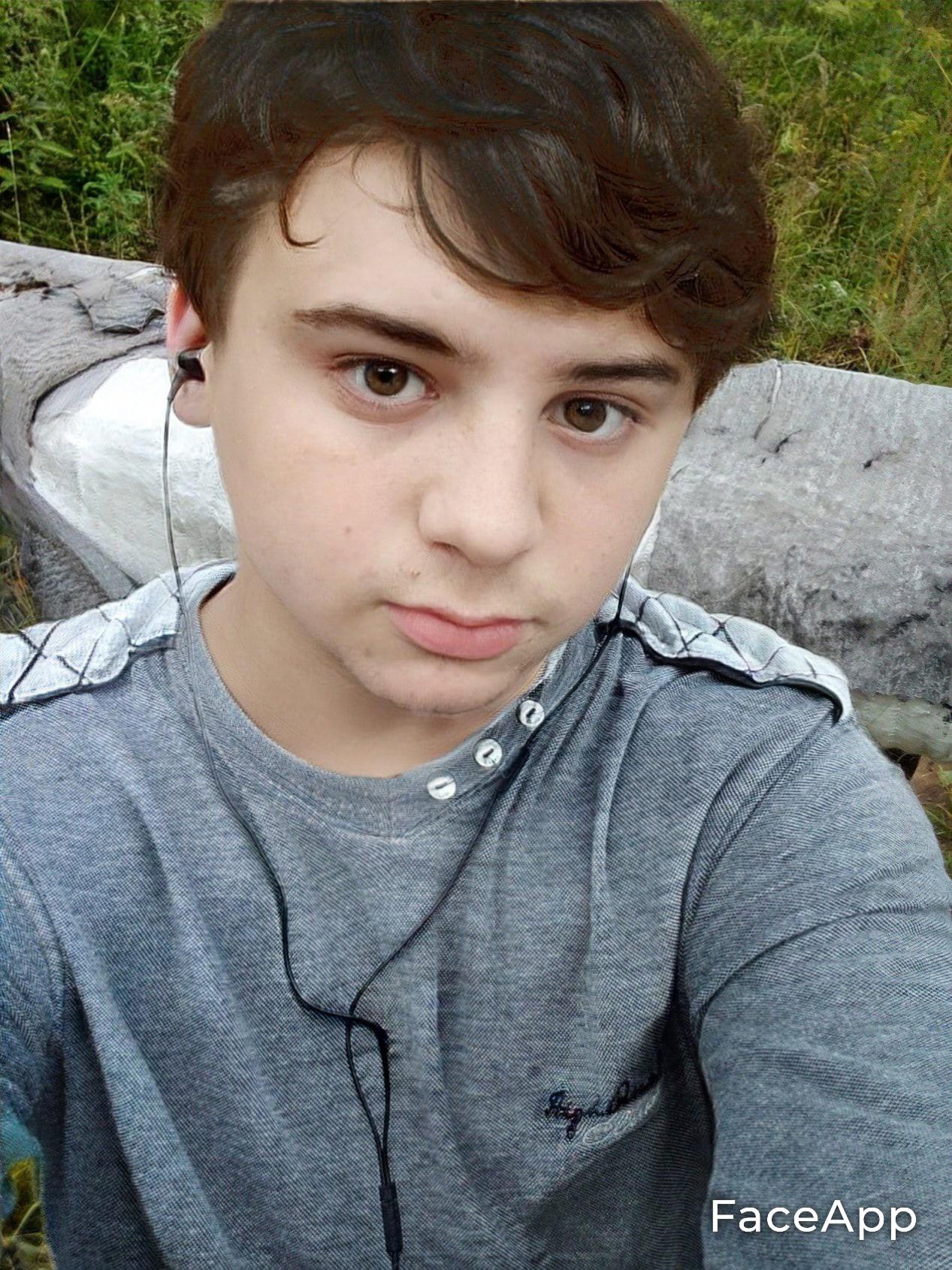 Александр, 19, Vichuga