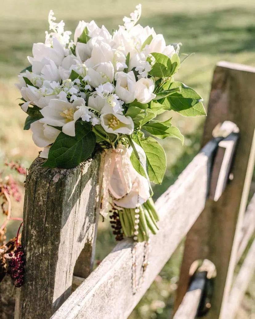 yWb8 ZeQpbo - Букет невесты из тюльпанов