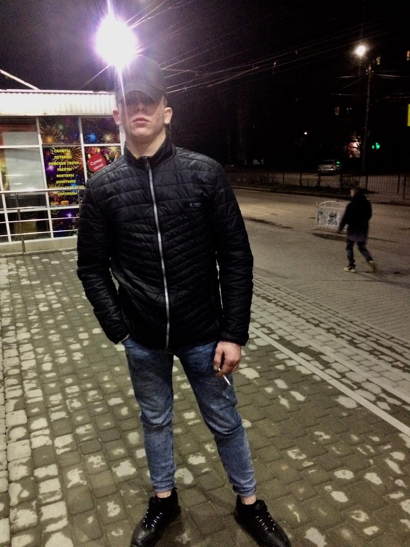 Александр, 20, Taganrog