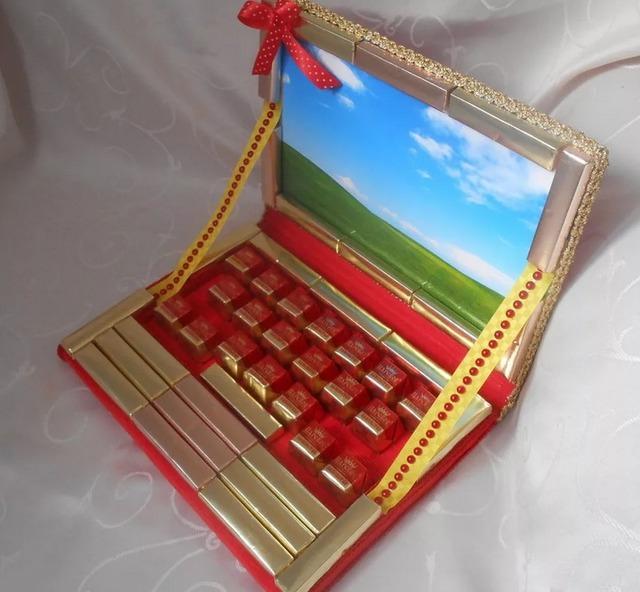 Как сделать ноутбук из конфет своими руками мастер-класс, Как сделать спортивные снарялы из конфет своими руками мастер-класс,