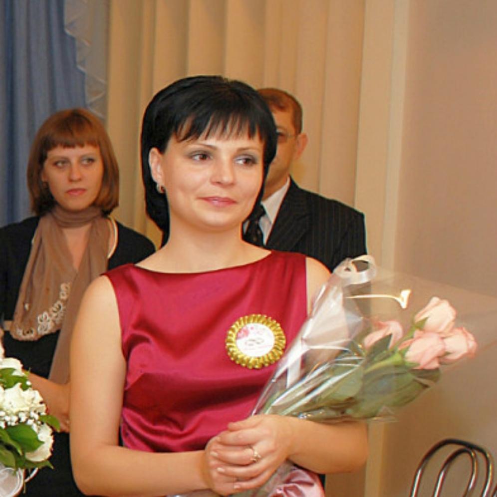 Marina, 38, Bakaly