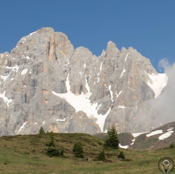 Уроки жизни в колыбели цивилизации Мастеровые горожане итальянского севера научили всю Европу любить свободуДорога с юга Франции в Центральную Европу с неизбежностью проходит по альпийской части