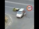 Появилось видео избиения водителя авто на Виноградаре. Напомним: «Чтоб ты с мопеда упал. в Киеве н