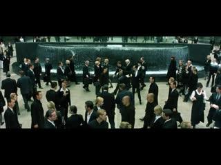 Im Laden ohne Maske ist wie in der Matrix ohne Wanze_ Jeder kann plötzlich zum Agent mutieren