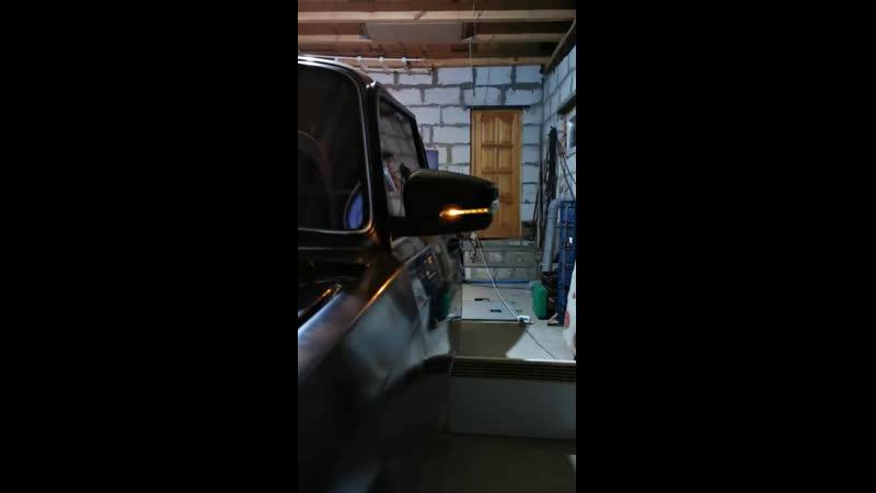 Поворотник в стиле Lexus в зеркалах Lada Granta Liftback на ВАЗ 2107