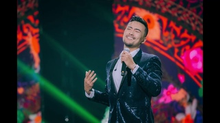 Kazakh singers Makpal and Zhan-Sultan. Medley on Abay's songs.