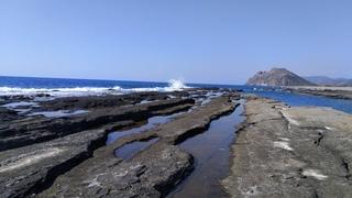 Босиком в Турцию 4. Каменный пляж, крабы, улицы Газипаша, едем в Аланию.