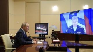 Путин приказал продолжить экспедиции в Арктике в целях обеспечения военной безопасности РФ