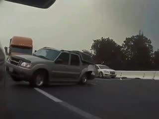 Нет, это не съемки новой части терминатора! Это авария в Калифорнии.. как итог, -9 машин, 4 пострадавших, один погиб!😕